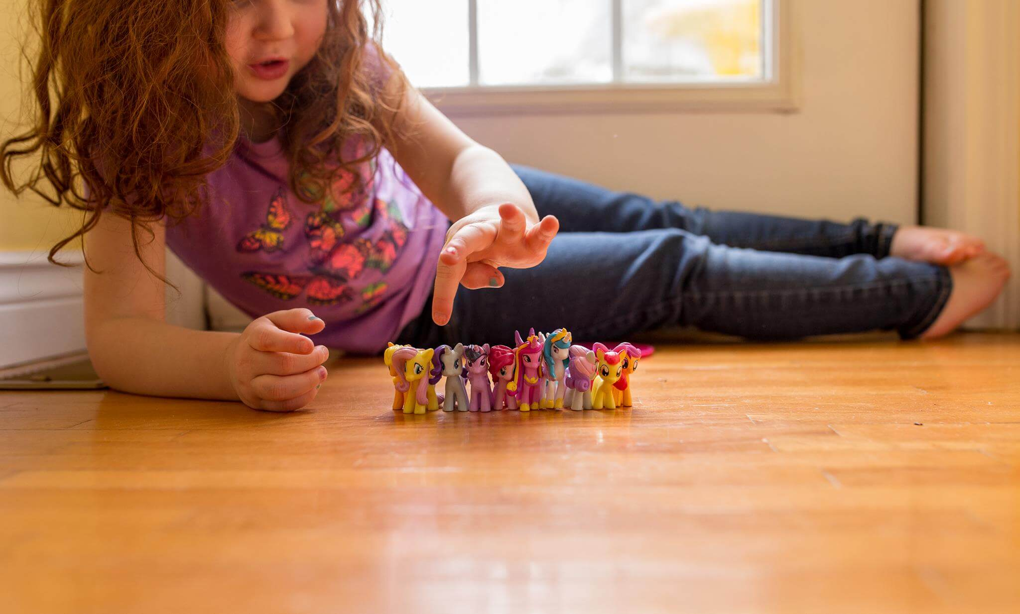 tips decluttering organizing kids toys parenting moncton consignment declutter organize playroom ideas kon mari
