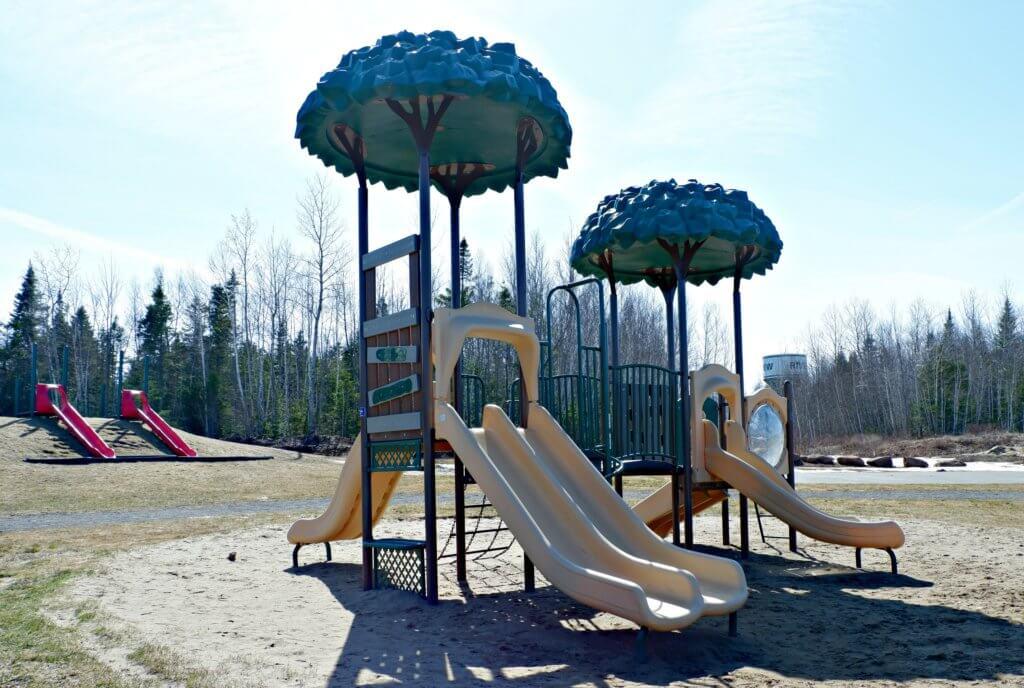 rebecca avenue playground park riverview moncton pickle planet main structure