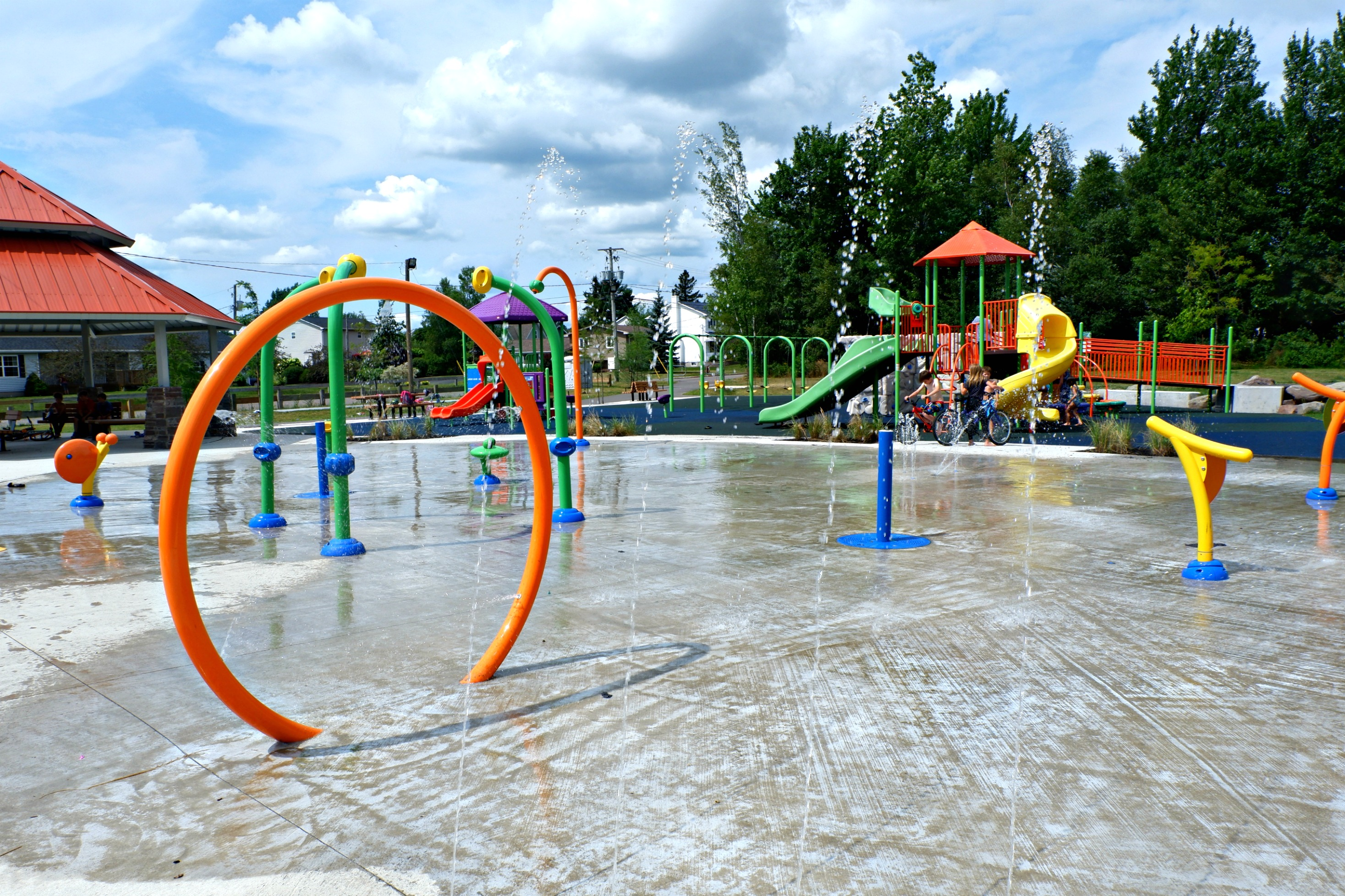 fairview knoll playground park moncton splash pad pickle planet near highway splash play pad fun summer