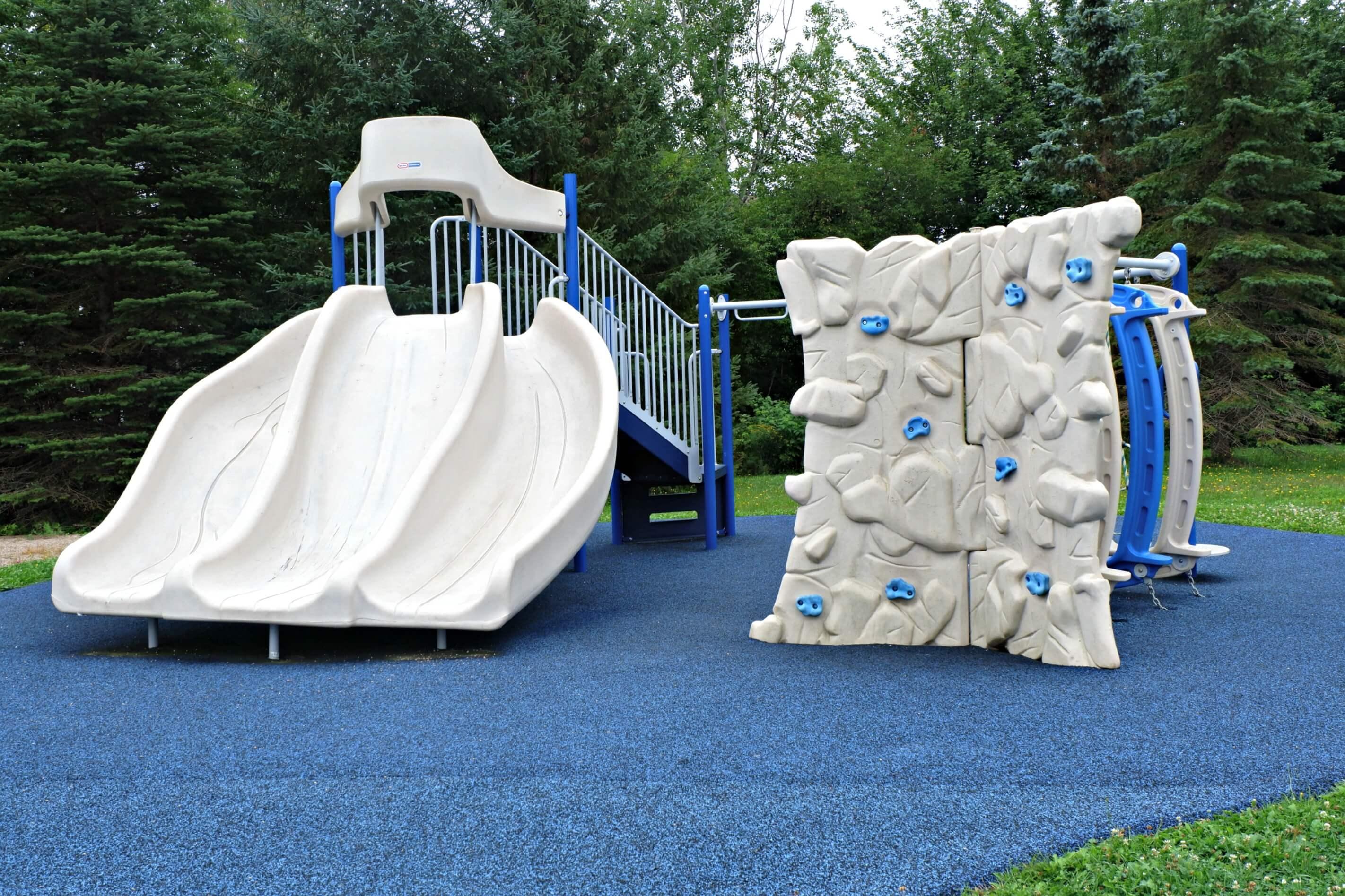 best playground park dieppe moncton riverview new brunswick rue isabelle centrale climbing