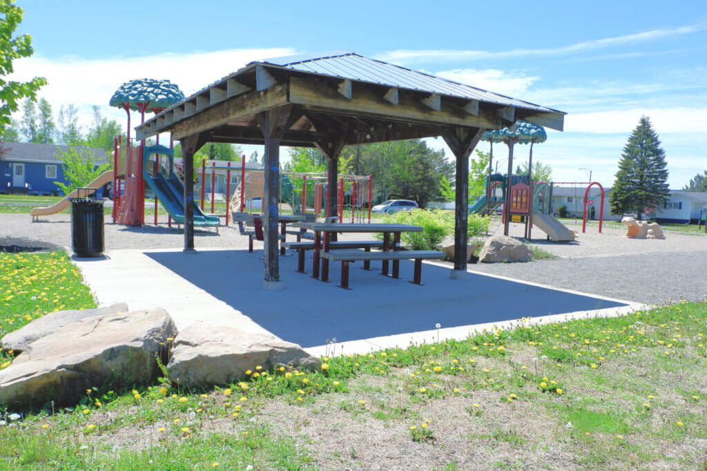 canadian heights playground moncton shade north end