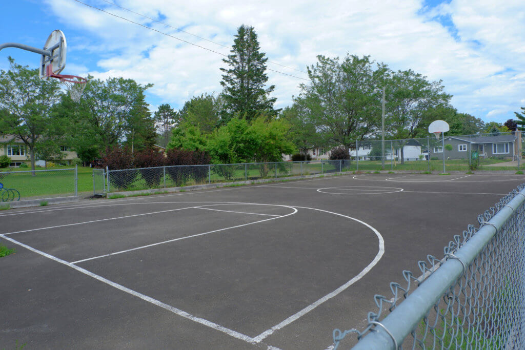 codiac heights PLAYGROUND PARK PICKLE PLANET MONCTON basketball court public free