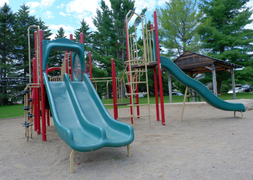 codiac heights PLAYGROUND PARK PICKLE PLANET MONCTON double slide