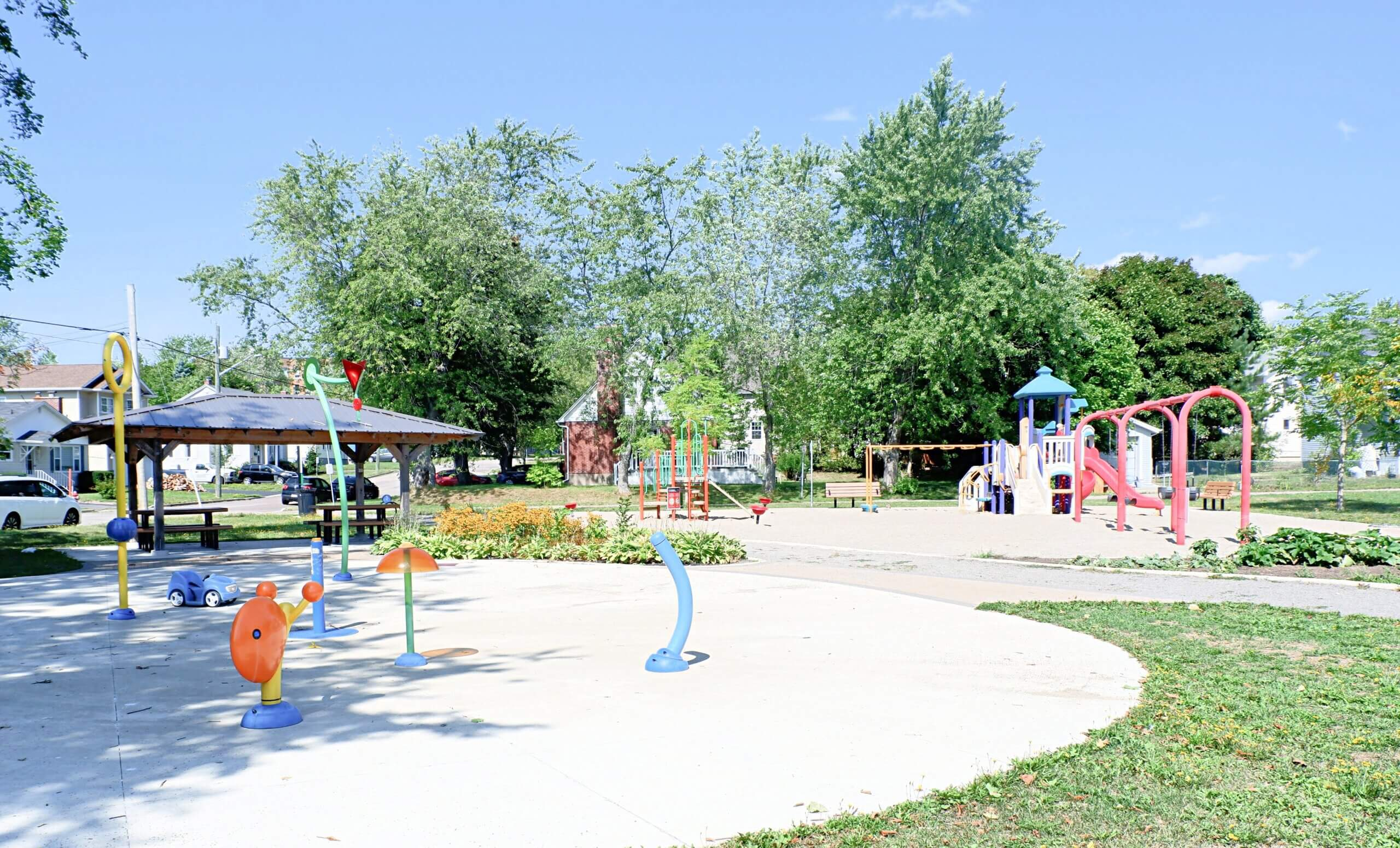 Braemar Park Centre Street Playground Moncton Pickle Planet splash pad