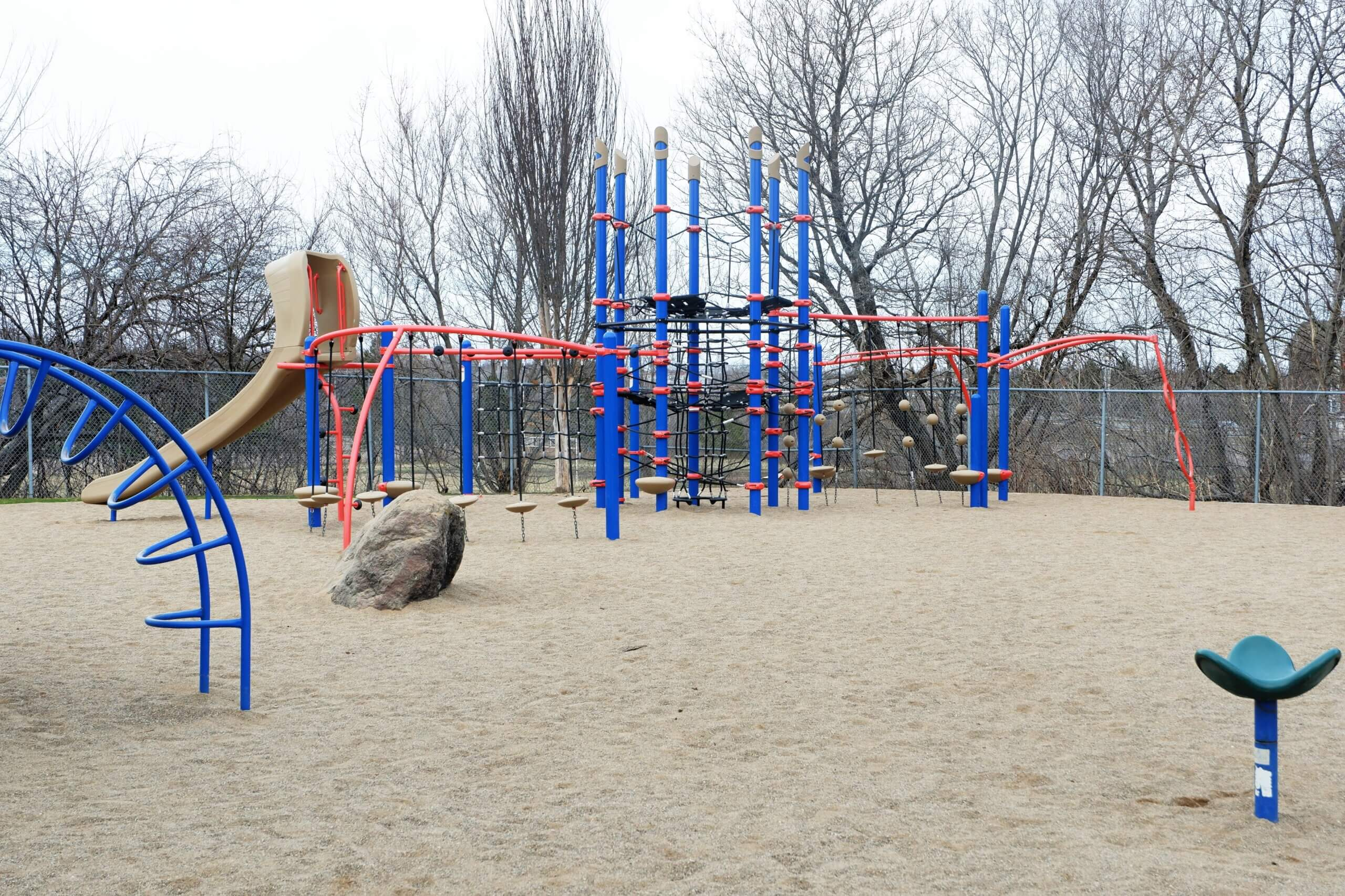 moncton hall's creek marjorie street playground park PICKLE PLANET climbing